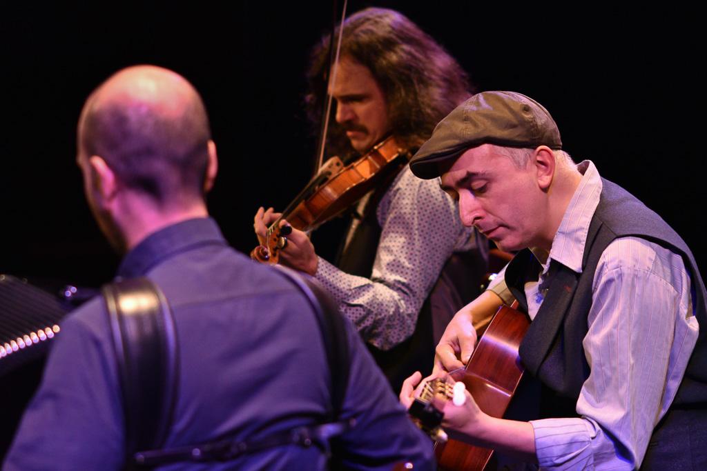 Trio Tatavla by @ Simon Blackley